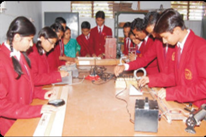 Maitri Vidya Niketan-lab