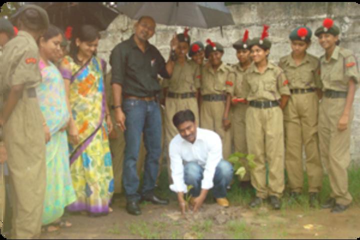 Maitri Vidya Niketan-tree plantation