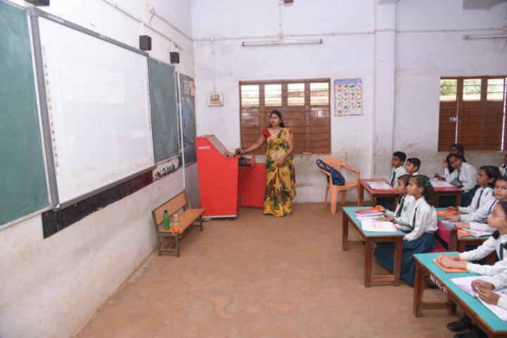 Nalanda English Medium Higher Secondary School-Classroom