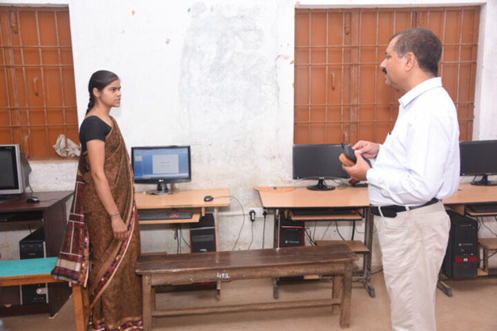 Nalanda English Medium Higher Secondary School-Computer lab