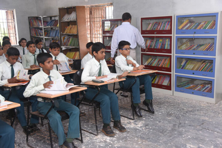 Nalanda English Medium Higher Secondary School-Library