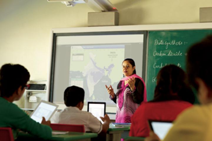 Rungta International School-Smart Class