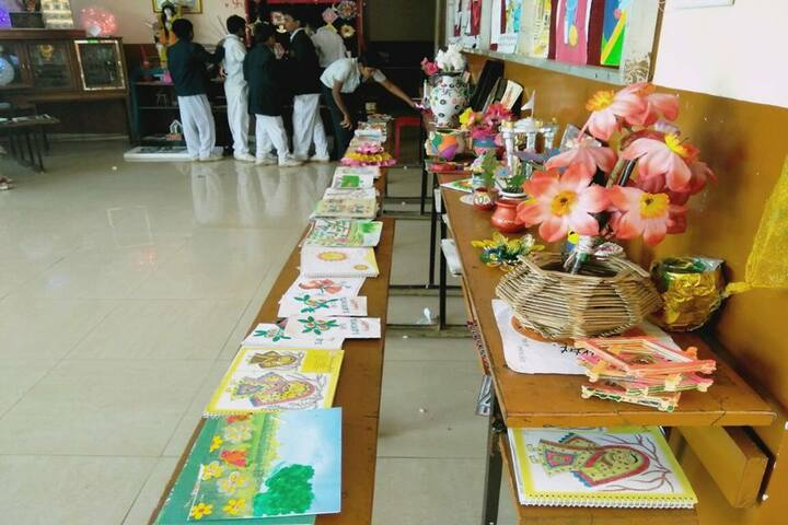 Sachdeva International School-Art And Craft Exhibition