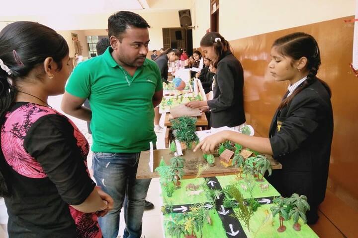 Sachdeva International School-School Exhibition