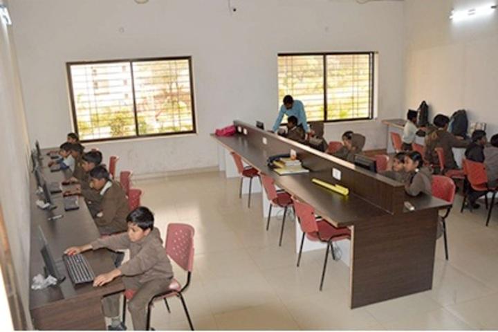 Sadhu Ram Vidya Mandir-Computer Lab