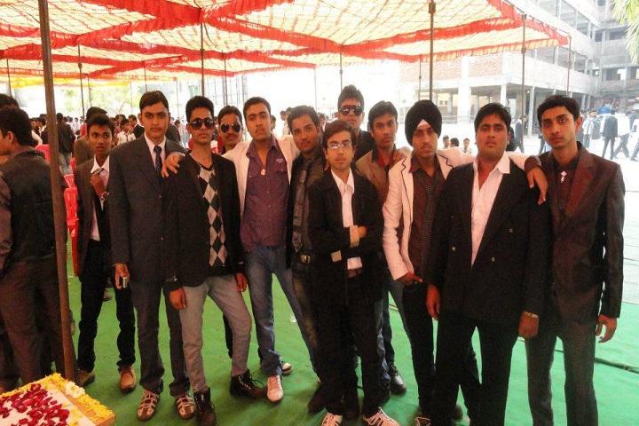 Shakuntala Vidyalaya-Group