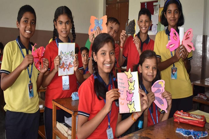 Shalini Convent School-Greeting card making