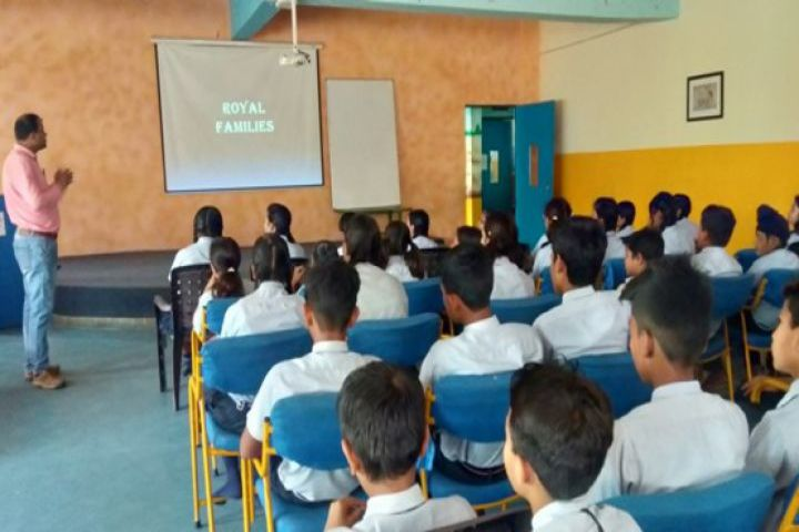Shri Rawatpura Sarkar International School-Smart Class
