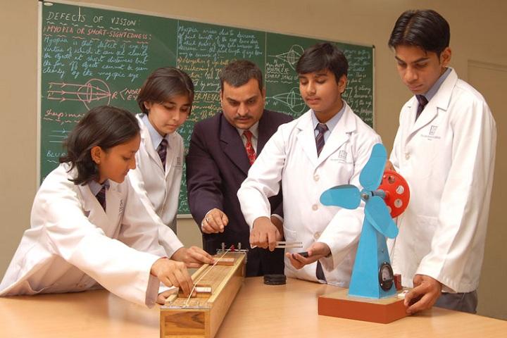 THE JAIN INTERNATIONAL SCHOOL-Physics Lab
