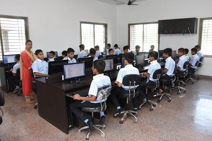 Vichakshan Jain Vidyapeeth-Computer Lab