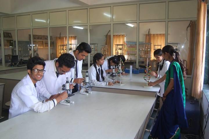 Shivprakash Memorial School-Science Lab