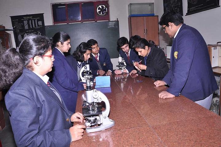 Amity International School-Lab