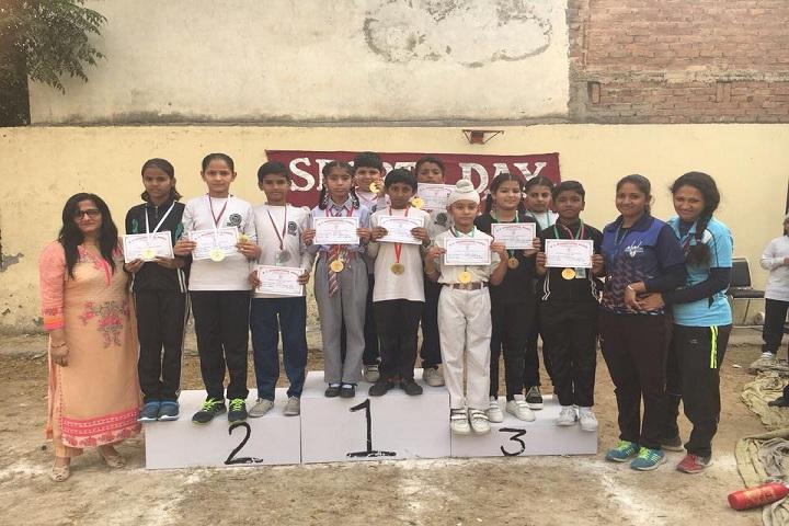 B S International School-Prize Distribution