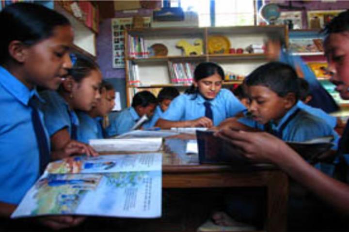Bharat Shakti Public School-Library1