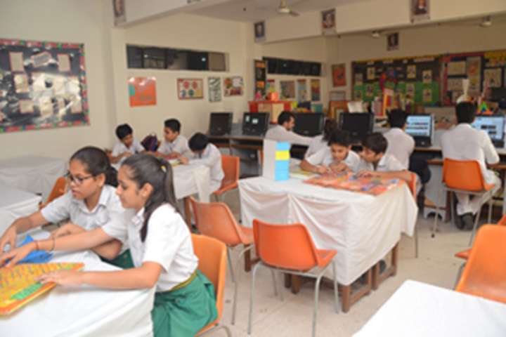 Bhatnagar International School-Maths Lab