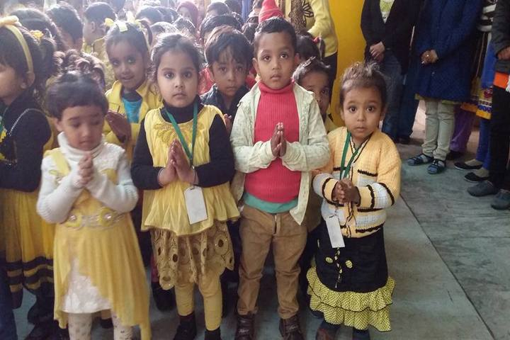 Blooming Dales Public School-Yellow Day