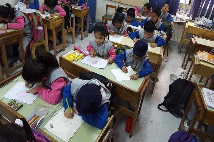 Brain International School-art class