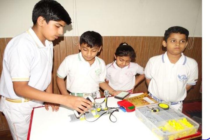 Columbia Foundation Senior Secondary School  Vikas Puri-Lab Work
