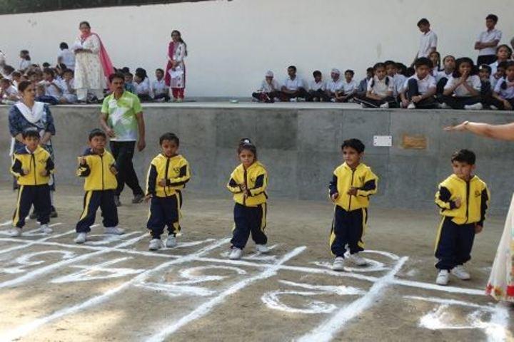 Columbia Foundation Senior Secondary School  Vikas Puri-Running Race