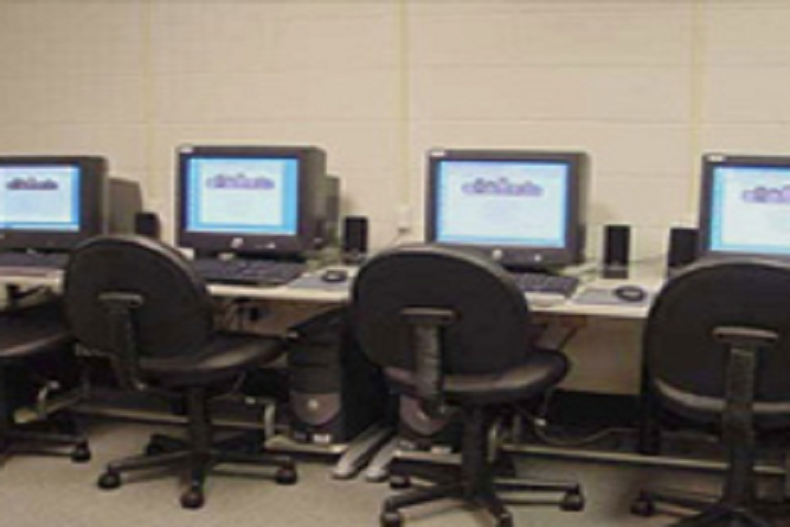 Crescent School-Computer Lab