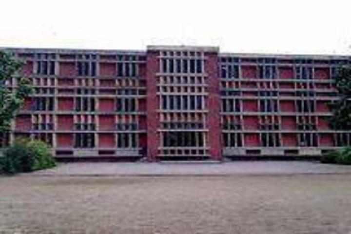 D A V Senior Secondary School- Building