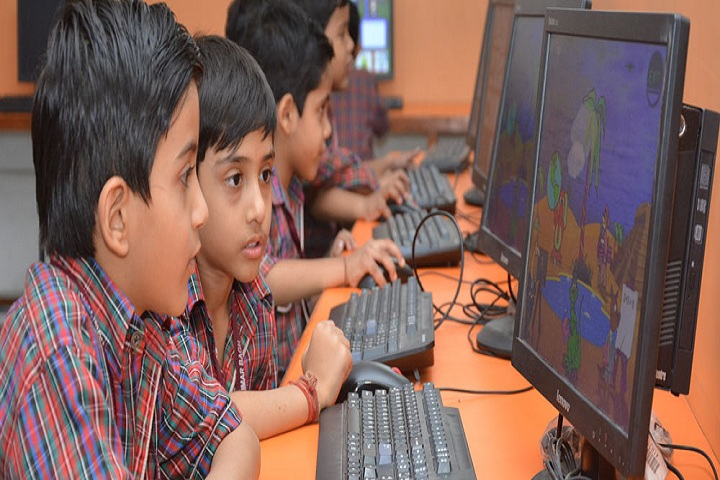 Darbari Lal D A V Model School-Computer lab
