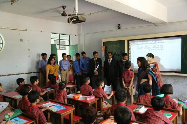 DAV Ashok Vihar-classroom