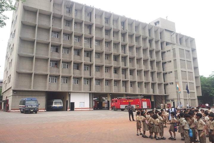 De Indian Public School-Visit to Fire Station