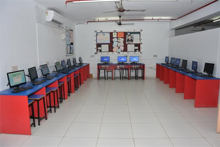 Deep Public School-Computer Lab