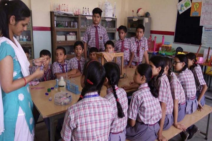 Delhi English Academy-Lab