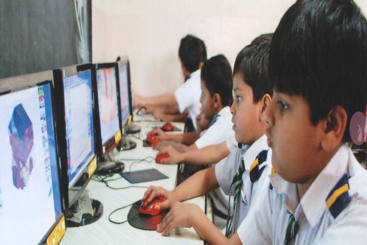 Madina Public School-Computer Lab