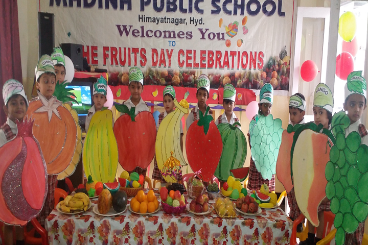 Madina Public School-Fruits Day