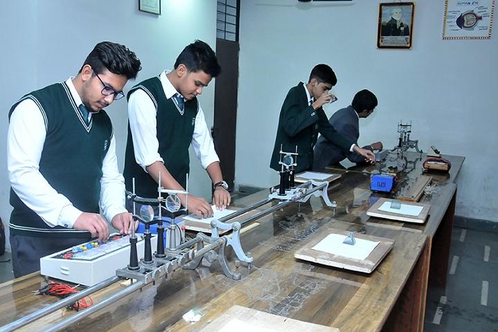 Evergreen Senior Secondary School- Physics lab