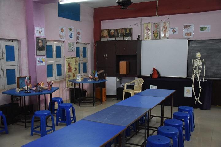 Montessori English Medium Primary School-Biology Lab