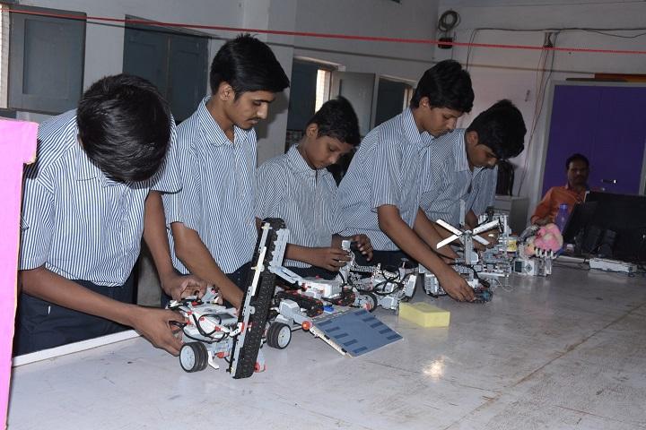 Montessori English Medium Primary School-Robotics Lab