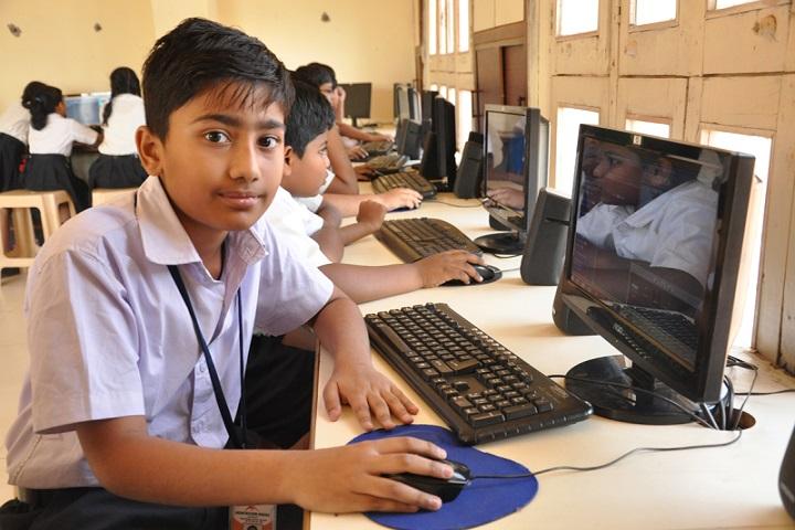 Montessori Indus School-Computer Lab