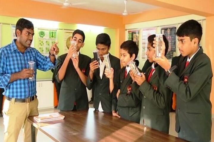 Narayana English Medium School-Biology Lab