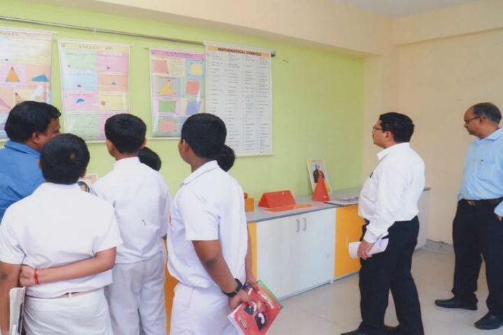 Narayana English Medium School-Maths Lab