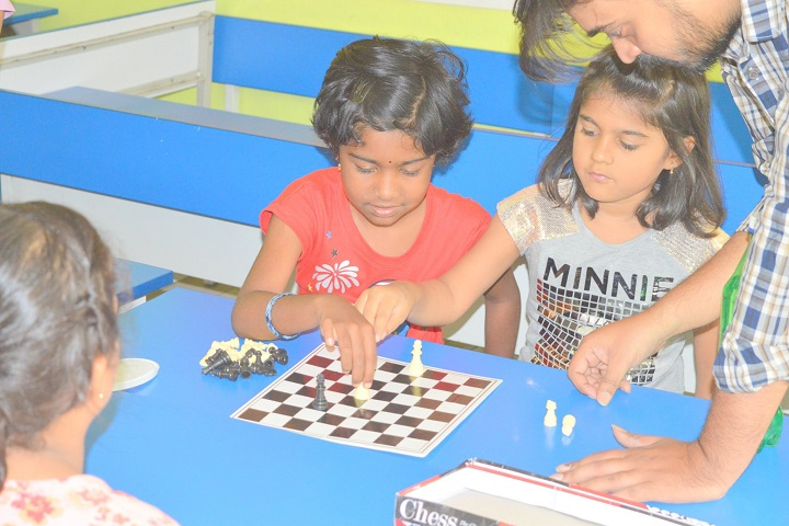Pallavi Model School-Indoor games