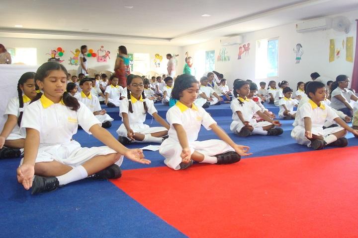 Rotterdam School-Yoga Day