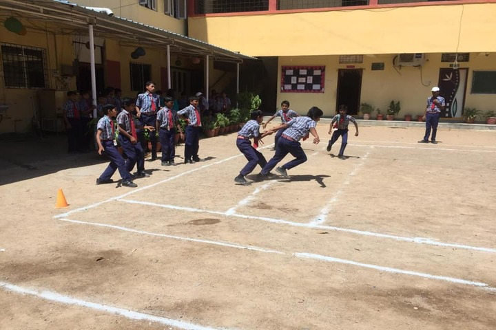 S M P Model High School-Sports