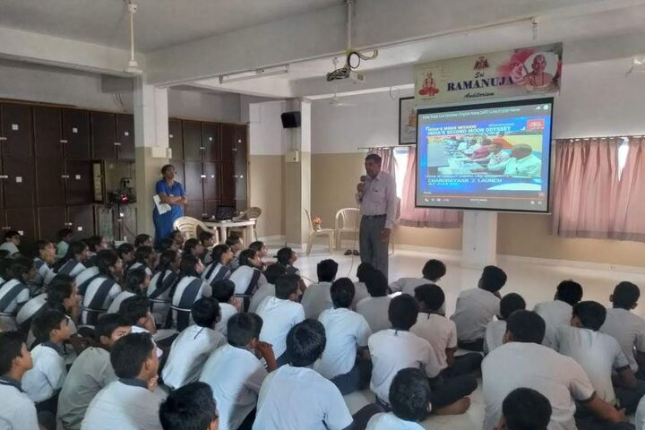 Saranya Concept School-Seminar