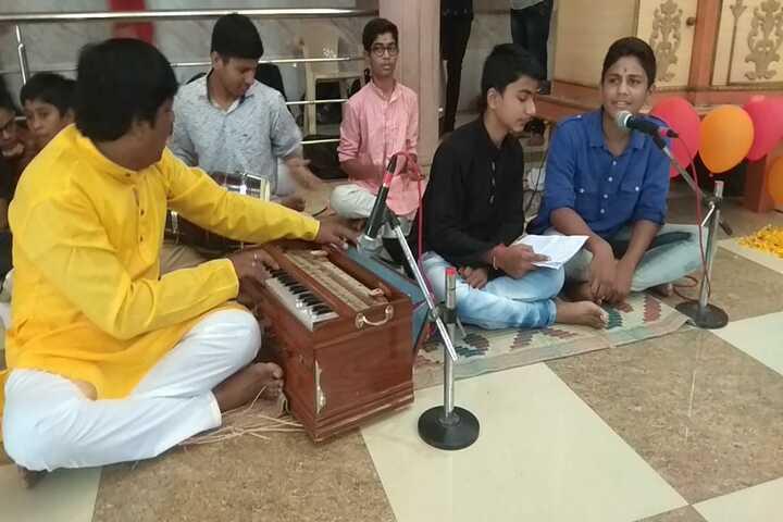 Shree Swaminarayan Gurukul International School-Music