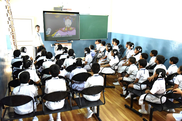 Smt Godavari Devi Saraf High School-Classrooms