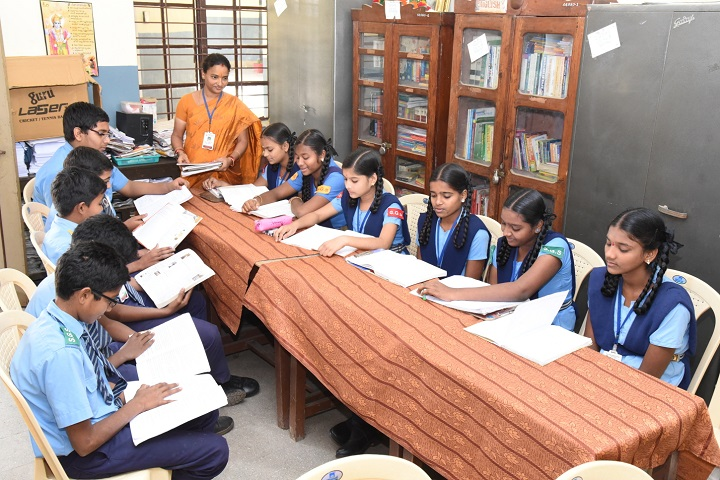 Smt Godavari Devi Saraf High School-Library