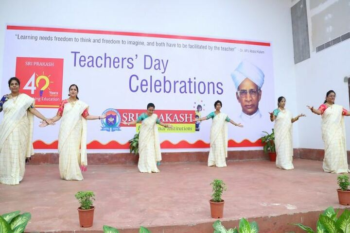 Sri Prakash Synergy School- Teachers Day