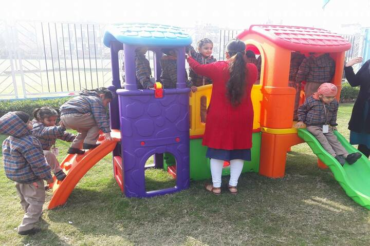 Guru Harkrishan Public School-Play Area
