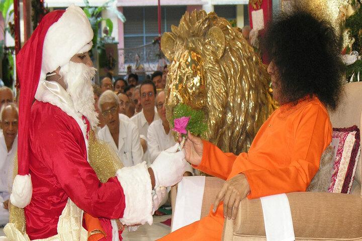 Sri Sathya Sai Higher Secondary School-Christmas Carnival