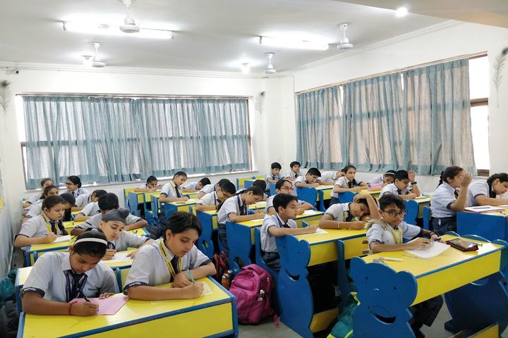 Indraprastha World School-Classroom