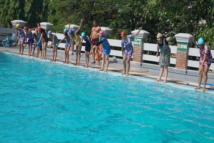 J D Tytler School-Swimming Pool